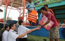 """Phát động chương trình """"Hải quân Việt Nam làm điểm tựa cho ngư dân vươn khơi, bám biển"""""""