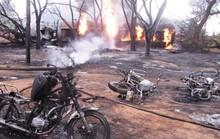 Đang hốt nhiên liệu, 132 người thương vong vì xe tải phát nổ