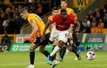 Paul Pogba đóng vai tội đồ, Man United mất thắng ở hang sói