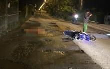 Người đàn ông tử vong trên đoạn đường chằng chịt ổ gà ở TP HCM