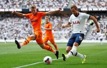 Tottenham thua sốc sân nhà, Man City trở lại ngôi nhì Ngoại hạng