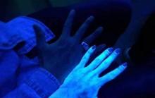 Cẩn thận với mỹ phẩm chứa chất huỳnh quang
