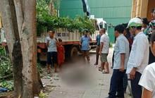 Đang cắt cành cây, thùng cẩu rơi khiến người đàn ông tử vong
