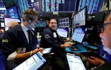 Lợi nhuận tốt của các tập đoàn bán lẻ giúp Phố Wall tăng điểm