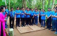 Cán bộ Công đoàn TP HCM về thăm quê Bác