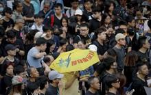 Hồng Kông: Cảnh sát và người biểu tình chơi mèo vờn chuột