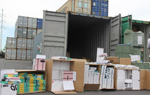 Phát hiện 1 container phụ kiện điện thoại di động nhập từ Trung Quốc ghi xuất xứ Việt Nam