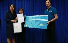 Tặng vé máy bay cho du khách Nhật bị chặt chém