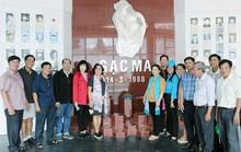 TIỀN GIANG: Cán bộ Công đoàn viếng Khu Tưởng niệm chiến sĩ Gạc Ma
