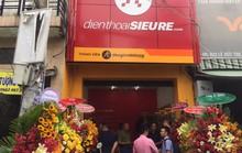 Nhiều người tò mò tìm đến cửa hàng điện thoại siêu rẻ của Thế Giới Di Động