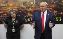 Hậu xả súng kinh hoàng, ông Donald Trump chịu nhiều sức ép