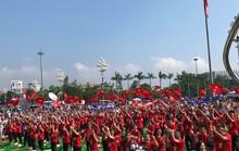 Clip: Biển người xứ Nghệ vỡ òa khi Trần Thế Trung giành vòng nguyệt quế Đường lên đỉnh Olympia 2019