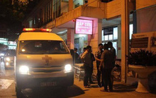 Cãi vã khi đang ăn cơm tối, chồng đâm vợ tử vong