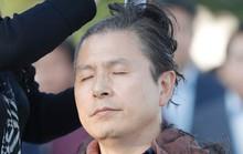 Cách phản đối lạ đời của chính trị gia Hàn Quốc
