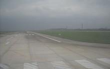 Dân đốt rơm rạ, phi công bị khói che khuất tầm nhìn khi hạ cánh xuống sân bay Nội Bài