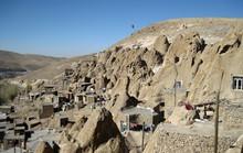 Kiến trúc hang động 'độc nhất vô nhị' trong ngôi làng cổ bằng đá
