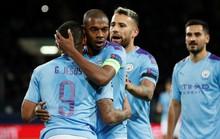 HLV Guardiola: Fernandinho chơi trung vệ quá xuất sắc