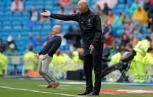 Zidane giữ được chiếc ghế đang rung lắc