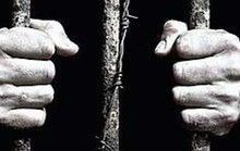Nhà sư quấy rối tình dục phụ nữ ở phố đèn đỏ lãnh 5 tháng tù