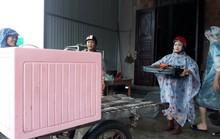 Chùm ảnh: Nước sông Sê Pôn dâng cao, người dân Quảng Trị hối hả sơ tán