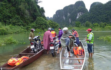 Mưa lớn gây ngập lụt miền Trung