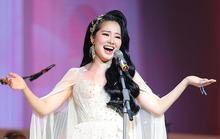 Phạm Thuỳ Dung bay bổng trong đêm Trăng hát