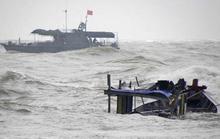 Tàu câu mực cùng 44 ngư dân chìm ở Trường Sa: 3 người còn mất tích