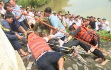 Tìm thấy thi thể tài xế taxi rơi xuống sông cùng xe và hành khách