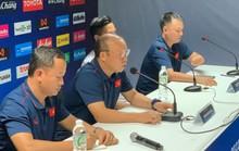 HLV Park Hang-seo chỉ trích báo chí Thái Lan làm ồn trong buổi họp báo