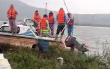 Đi đánh cá lúc mưa lũ, hai anh em họ bị lật thuyền tử vong