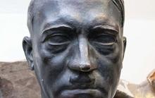 Bí mật về tượng Hitler ở hầm Thượng viện Pháp