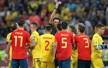 Thẻ đỏ oan nghiệt, tuyển Tây Ban Nha hút chết tại Romania