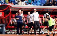 HLV Guus Hiddink nói gì sau khi để thua đàn em Park Hang-seo?