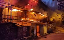 Cháy Công ty Rạng Đông: Phụ huynh cho con nghỉ học vì lo ngại sức khỏe