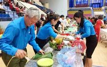Tổ chức xe đưa công nhân về quê đón Tết