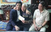 Phó Bí thư Thường trực Tỉnh ủy Quảng Nam tặng quà Tết cho đồng bào biên giới