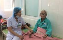 Phẫu thuật lấy khối u 1,5 kg mọc hơn 10 năm trong bụng cụ bà 100 tuổi