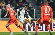 Vắng Ronaldo, Bà đầm già thắng tưng bừng ở Coppa Italia