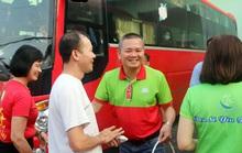 Công nhân Công ty CP Sài Gòn Food về quê đón Tết bằng xe chất lượng cao
