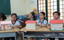 Học sinh Bình Chánh làm Ngôi nhà cách âm