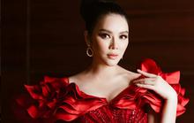 Lý Nhã Kỳ duyên dáng đảm nhận vai trò MC cùng Thanh Bạch