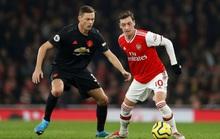 Vùi dập Man United, Arsenal thắng tưng bừng đại chiến
