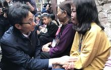 Bệnh nhân xóm chạy thận xúc động trước sự xuất hiện bất ngờ của Phó Thủ tướng
