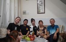 Châu Tuyết Vân dịu dàng cùng gia đình đón Tết