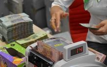 Dân ngân hàng ăn Tết rủng rỉnh nhưng kín tiếng