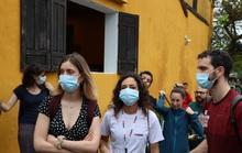 Sợ nhiễm virus corona, tài xế taxi Hội An nhập viện theo dõi