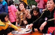CLIP: Hàng ngàn người đi chợ đánh nhau cầu may