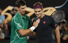 """Clip Federer """"tan tành"""" trước Djokovic"""
