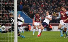 Liverpool run rẩy trước Everton