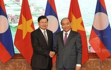Việt Nam - Lào ký kết 9 văn kiện hợp tác